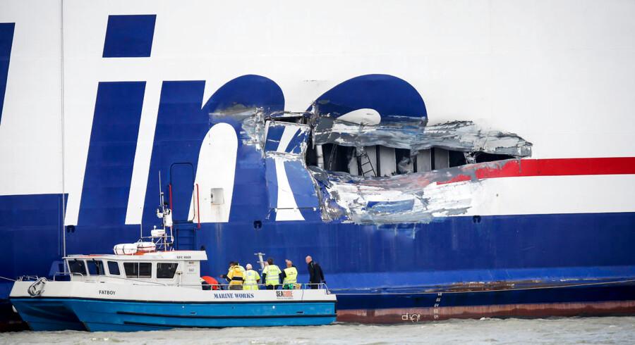 Færgen Stena Jutlandica kolliderede natten til søndag med et tankskib ved indsejlingen til Göteborg. Øjenvidner fortæller, at det kunne være endt i en katastrofe. (Foto: Morten Rasmussen/Scanpix 2015)