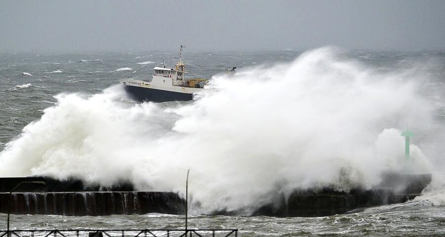 Stormen vil hærge store dele af landet hele fredagen. ARKIVFOTO