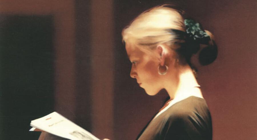 Fra 1994 stammer dette Vermeer-inspirerede maleri af en kvinde fordybet i læsning. Ud over hyldesten til hustruens åbenlyse skønhed ligger det i forlængelse af andre af Gerhard Richters portrætter af sin omgangskreds, der ofte gengives hensunkne i tanker.