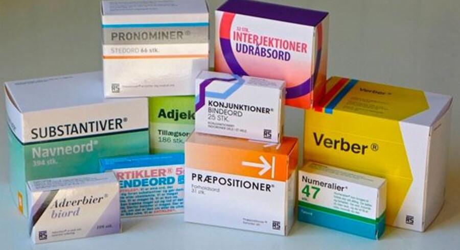 Se efter en ekstra gang. Der står ikke Panodil eller Prozac, men derimod Verber og Substantiver på pilleæskerne.