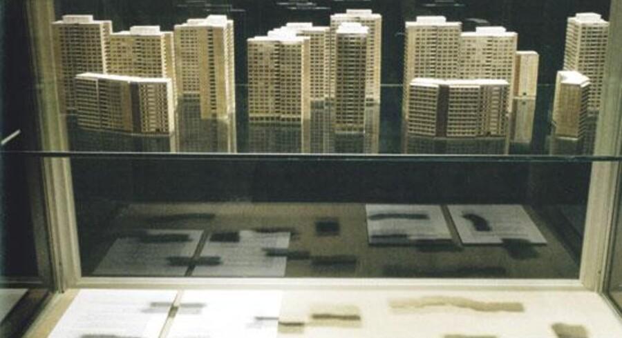 På udstillingen »Relicts« undersøger Søren Lose bl.a. perverteringen af de modernisktiske idealer i DDRs arkitektur.