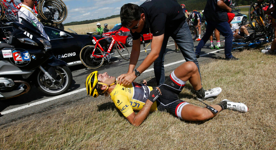 Fabian Cancellara efter sit voldsomme styrt på 3. etape.