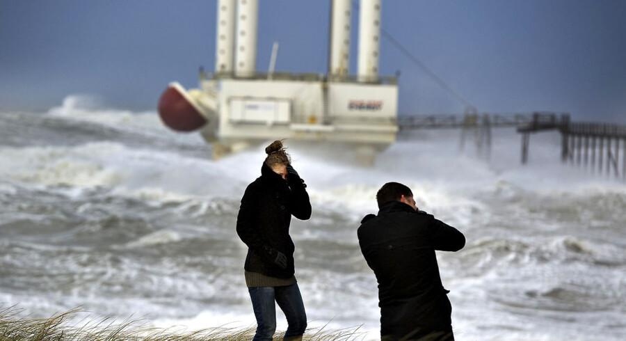 Storm Nordjylland: Ved Hanstholm ligger det store testanlæg til bølgeenergi : Wavestar støt i stormen