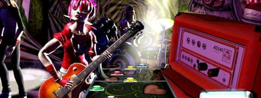 Med en plasticguitar skal man spille med, som det vises på skærmen. Fra »Guitar Hero III: Legends of Rock«