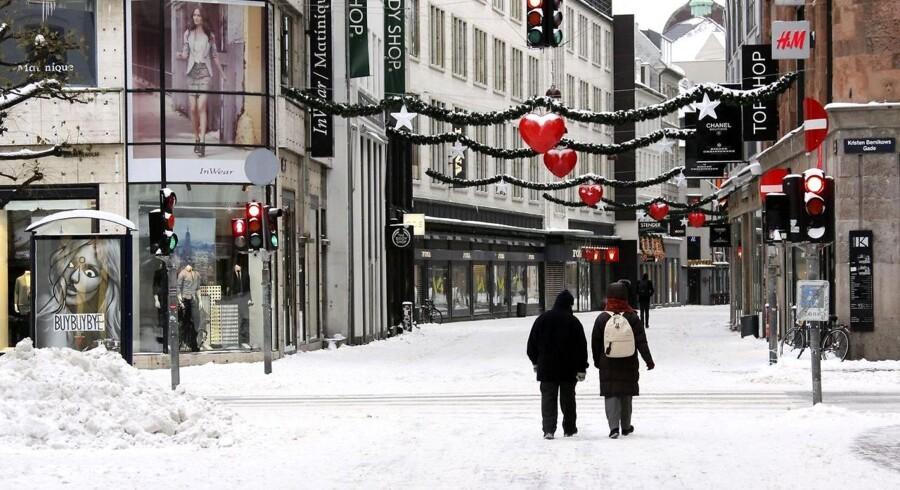 Julepynten kommer først til København. Her er det juleaften på Strøget i 2010.