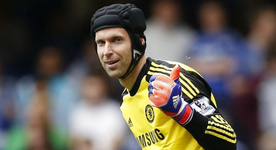 Petr Cech skal til lægetjek hos Arsenal.