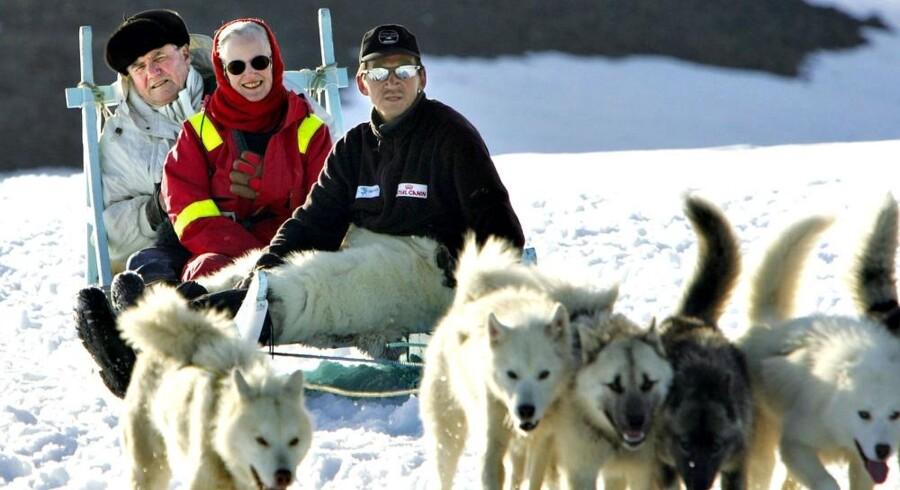 Dronning Margrethe har til januar været Danmarks regent i 40 år. Her på hundeslæde i Grønland sammen med prins Henrik.