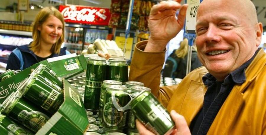 Mandag d. 23 september 2002 var dagen, hvor engangsdåserne kom på hylderne i de danske supermarkeder for første gang i mange år