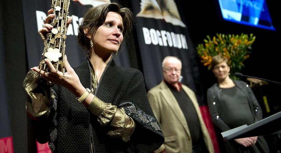 """Forfatteren Birgithe Kosovic bliver den sidste i rækken af modtagere af Danske Banks Litteraturpris på 300.000 kroner. Den får hun for romanen """"Det dobbelte land"""" om krigen på Balkan. Billedet er fra 1999."""