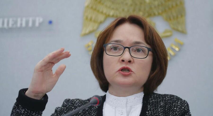 Chefen for den russiske centralbank, Elvira Nabiullina, holder pressekonference i forbindelse med opdateringen af bankens økonomiske udsigter.