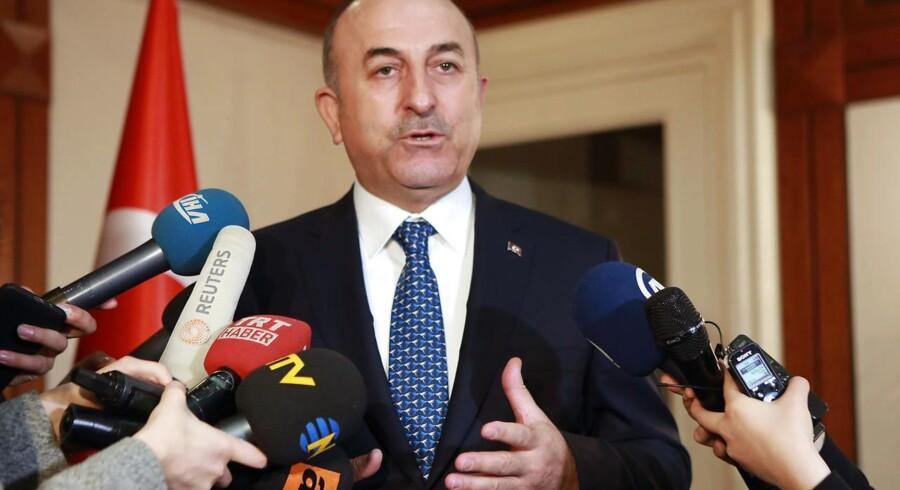 Den tyrkiske udenrigsminister, Mevlüt Çavusoglu, skulle have deltaget i vælgermødet i Hamburg