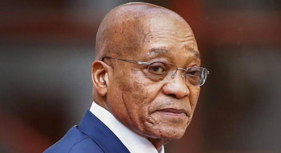 Sydafrikas præsident, Jacob Zuma, må til lommerne og betale nogle de millioner af skattedollar tilbage, som han har brugt til en privat swimmingpool og andre ting til at pifte hjemmefronten op.