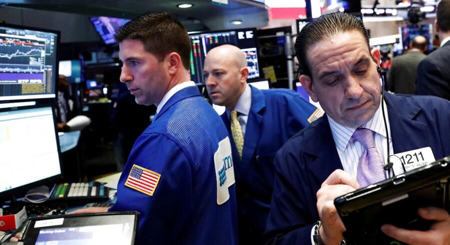 Arkivfoto. Der blæste positive vinde ind over de amerikanske aktier torsdag. Endnu et sæt solide data godt hjulpet af et højt forbrug viste en højere økonomisk vækst end hidtil antaget i fjerde kvartal i USA. Det gav rekord i det teknologitunge Nasdaq-indeks.
