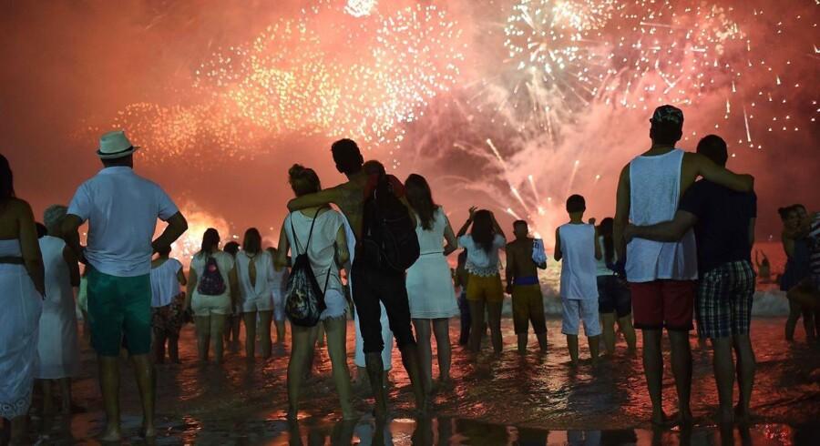 I Samoa og Kiribati er det blevet 2018. Her ses nytårsaften i Rio de Janeiro sidste år.