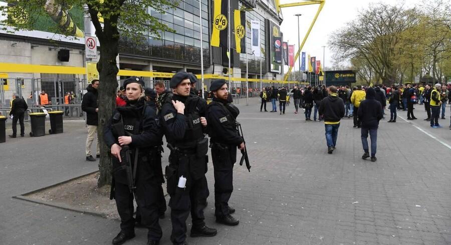 Arkivfoto. En mistænkt i forbindelse med tirsdagens bombeangreb mod en spillerbus i Dortmund har været medlem af Islamisk Stat i Irak.