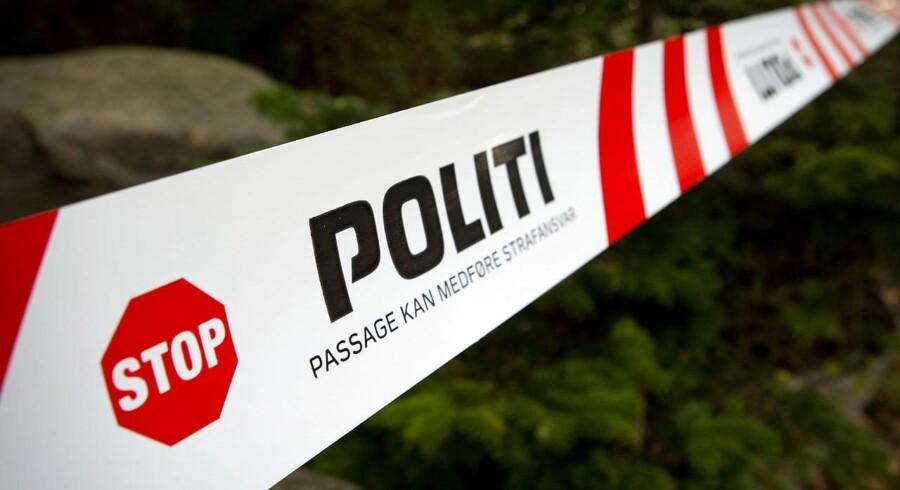 Overfaldet fandt sted mandag aften i en skov mellem Auning og Allingåbro.