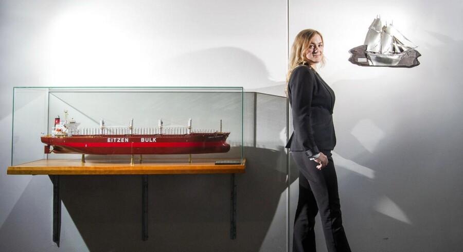 Thea Bagger har netop afsluttet sin bachelor i shipping på CBS, og nu er hun på vej i arbejde. Det er der meget få bachelorer i Danmark, der gør, men minister er klar til at se på reglerne for at skabe et arbejdsmarked inden kandidatgraden.