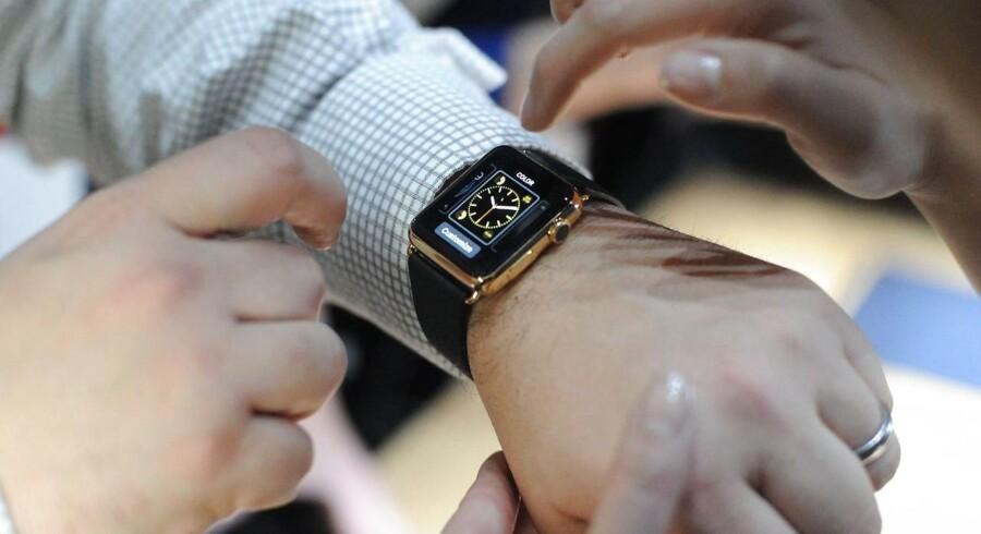 Apples smartur, Watch, skal have selvstændigt liv. Alle nye apps til det skal derfor kunne virke, uden at en iPhone er koblet på for at give forbindelsen. Arkivfoto: Josh Edelson, AFP/Scanpix