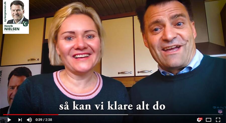 Henrik Nielsen og konen Mette kan klare alt do, i det Svendborgske, lyder det på parrets valgvideo. Screendump fra videoen.