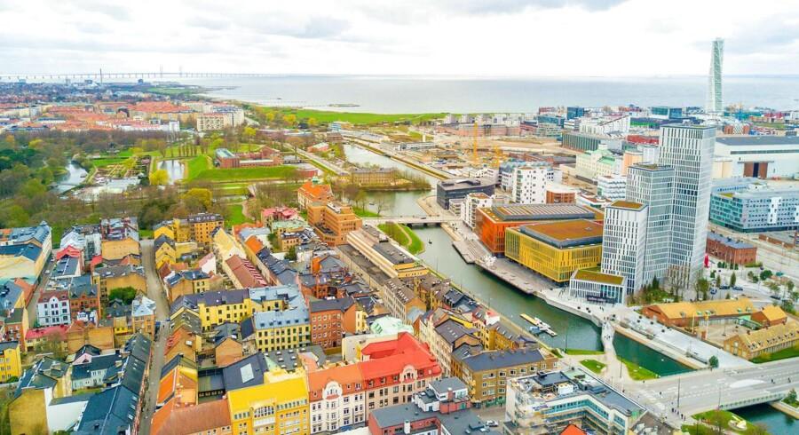 Det svenske boligmarked set lidt ovenfra. Her er vi kommet til vejrs over Malmø.
