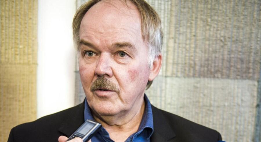 Folketingsmedlem Bent Bøgsted, 60 år. Mandag 4. januar... Doorstep aftale om kontanthjælp Regeringen og blå blok er enige om det såkaldte moderne kontanthjælpsloft - det skal skaffe penge til skattelettelser. Bent Bøgsted Dansk Folkeparti.