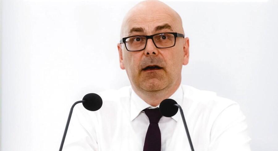 Socialdemokraten Torsten Albig kæmper for at bevare regeringsmagten ved søndagens valg i Slesvig-Holsten, der er et vigtigt pejlemærke for Angela Merkels chancer ved efterårets tyske valg.