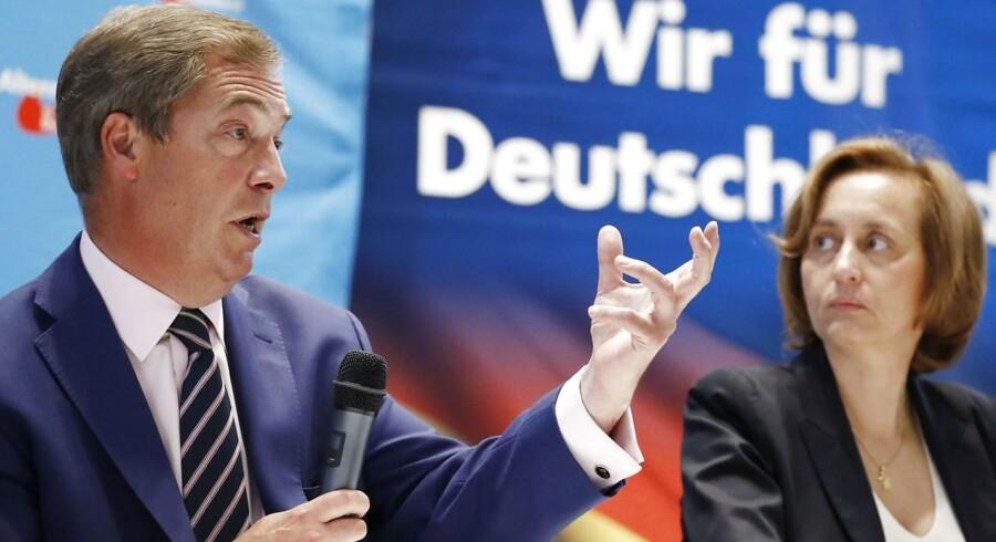 Brexit er fraværende i den tyske valgkamp, mener Nigel Farage. Fredag var han i Berlin for at støtte højrepartiet Alternative für Deutschland.