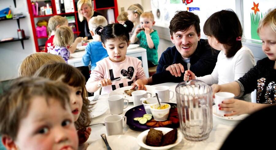 Arkivfoto. 46 ud af 98 danske kommuner sender børn fra vuggestue eller dagpleje over i børnehave, inden de er fyldt tre år.