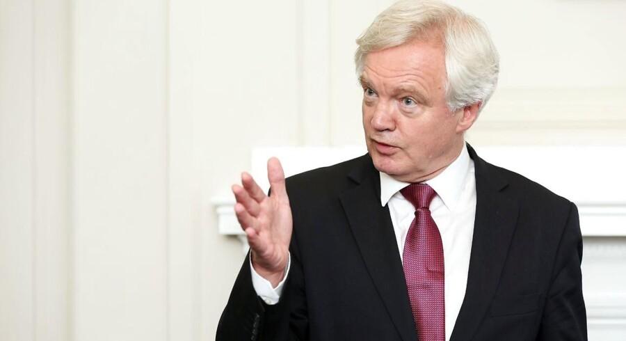 Kontrol af indvandringen til Storbritannien udelukker ikke, at landet kan have gode handelsrelationer til EU, når briterne udtræder af EU. Det siger Storbritanniens såkaldte brexit-minister, David Davis, under en debat i Underhuset i parlamentet mandag.