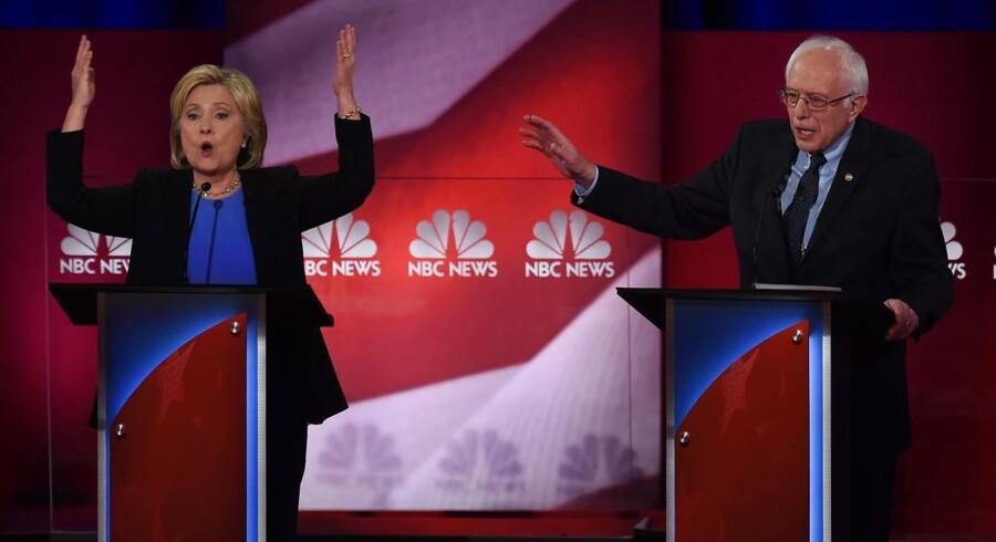 De to førende demokratiske kandidater langede ud efter hinanden i nattens debat.