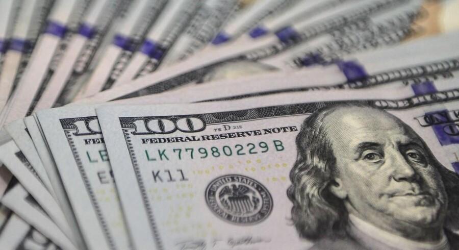 Fredag sættes der igen spørgsmålstegn ved det fornuftige i at starte en serie af renteforhøjelser i USA. For selv om landet i mange henseender er økonomisk selvkørende, begynder den globale risiko at vægte tungere og tungere. Og herfra er der ikke meget positivt at hente.