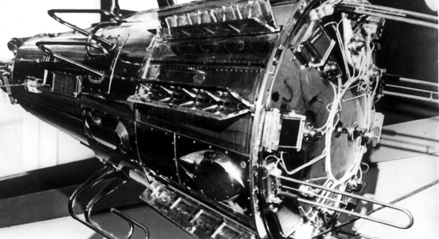 Almindelige satellitter som Sputnik 3 her bliver udfordret af små satellitter på størrelse med skoæsker, der hurtigt kan hjemsende billeder, som hedgefonde kan bruge til at investere ud fra.