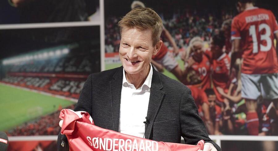 Den tidligere superligatræner Lars Søndergaard bliver ny træner for det danske kvindelandsholdet i fodbold og bliver præsenteret på et pressemøde hos DBU den 18. december 2017. (Foto: Claus Bech/Scanpix 2017)