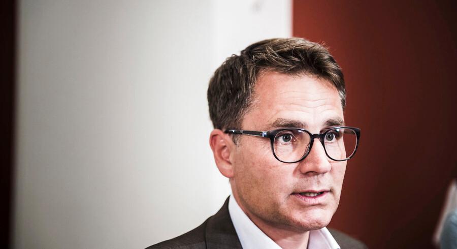 Erhvervsminister Brian Mikkelsen (K) anmoder nu realkreditten om at udvise forsigtighed.