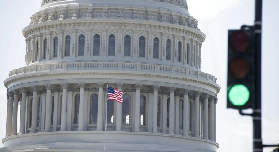 Kongressen har givet grønt lys til det kommende års Finanslov. Det skriver Washington Post.