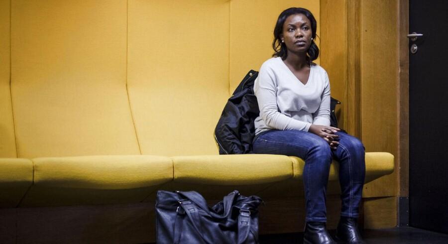 Hvert år afgiver de danske kommuner ønsker om, hvilke typer flygtninge de vil have. På toppen af listen er congolesere, i bunden af listen tjetjenere. Rachelle på 35 er congoleser, hun har boet i Danmark i 10 år. Hun bor i Faxe og arbejder i København. Hun er højtuddannet og velintegreret, og hun er en af de flygtninge, der står højest på kommunernes ønskeliste.