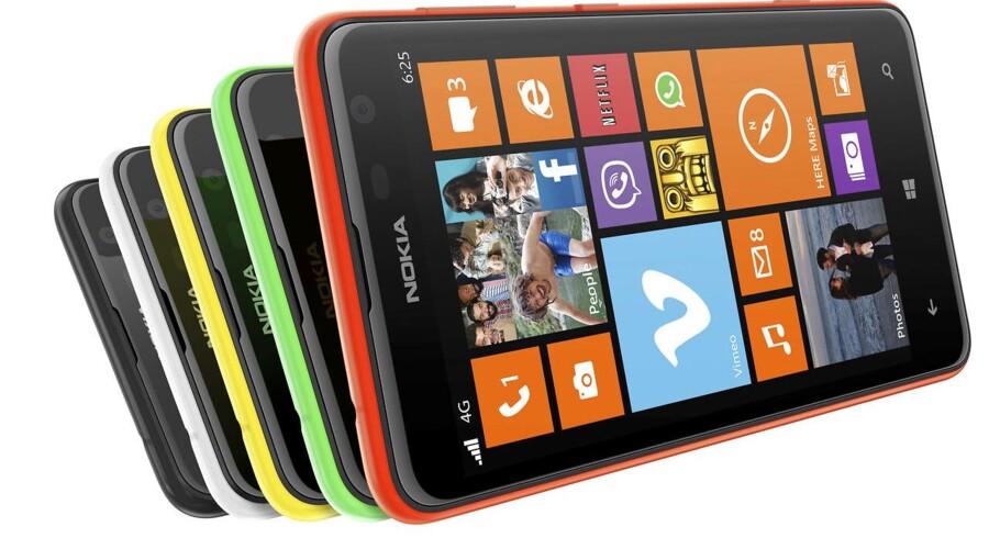 Nokia vil gerne igen producere mobiltelefoner, som her Lumia-serien med Windows som styresystem, men det bliver først fra næste år, og uden at Nokia selv står for produktionen. Arkivfoto: Nokia/Reuters/Scanpix