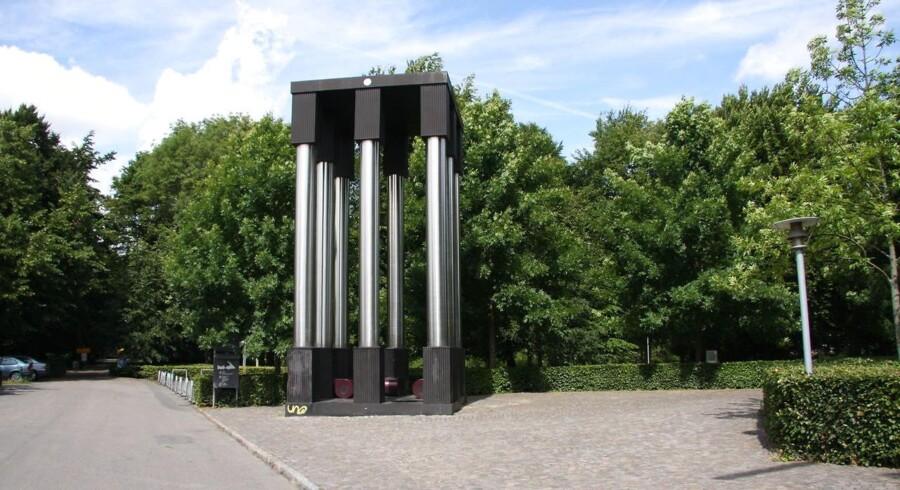 En fejl i forbindelse med salg af en bygning har ført til skrotning af en Ingvar Cronhammar-skulptur. En medarbejder ved Syddansk Erhvervsskole har fejlagtigt bestilt en nedrivning af en skulptur, som ikke var skolens ejendom. (Foto: Paul Jacobsen/Scanpix 2017)