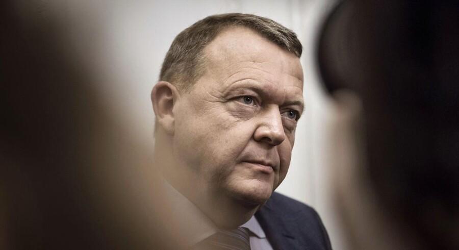 Statsminister Lars Løkke Rasmussen vil blive mødt af demonstrationer i Mjølnerparken.
