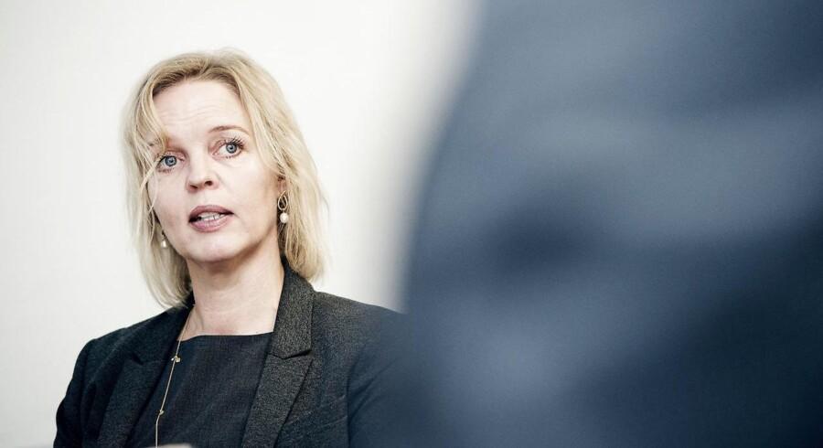 TDCs nye topchef, Pernille Erenbjerg, får svært ved at blive ved med at belønne aktionærerne, når hun skal bruge flere penge på at holde på kunderne, mener Sydbank. Arkivfoto: Erik Refner, Scanpix