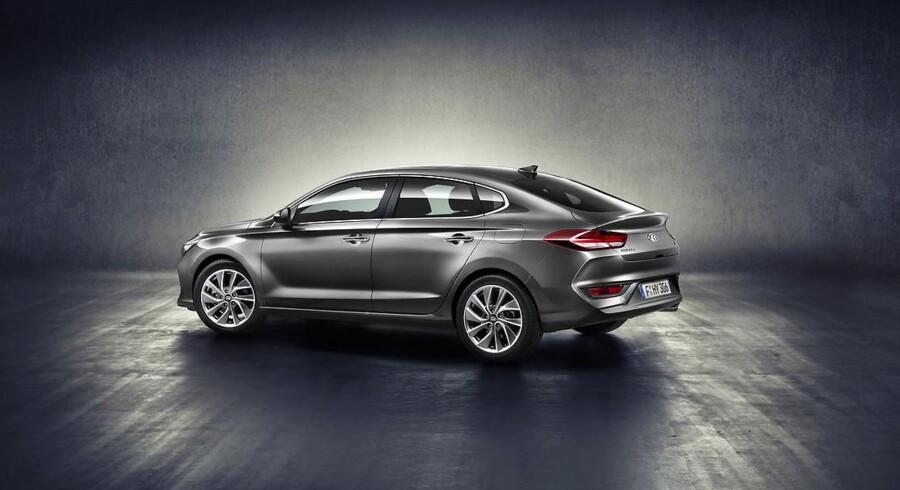 I30 Fastback er 11,5 cm længere end den almindelige hatchback, men stadig 1 cm kortere end Mazda 3 hatchback