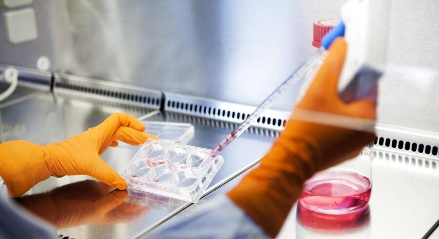 Bavarian Nordic har allerede leveret 28 millioner doser flydende-frosset Imvamune til det amerikanske myndigheder, der har indkøbt vaccinen til sine strategiske nationale beredskabslager allerede inden godkendelsen.