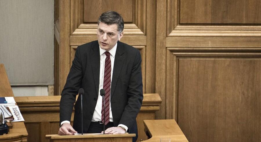 Et forbud mod burka og niqab vil være både principløst og farligt, mener Venstres folketingsmedlem Jan E. Jørgensen. Mange af hans partifæller er uenige.