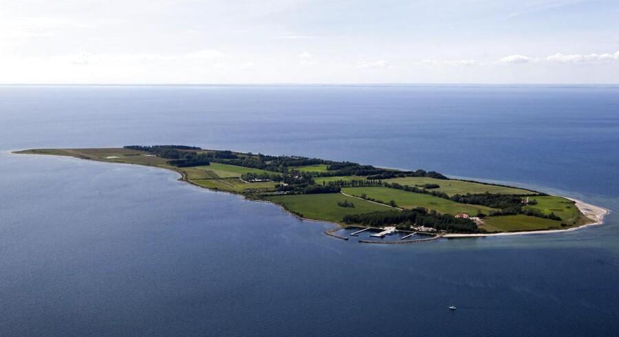 Ifølge Danmarks Statistik er der fire beboere på Vejrø (billedet).
