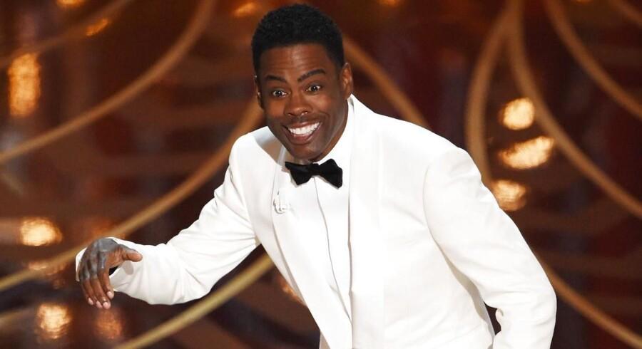 Komikeren Chris Rock på scenen til The Oscars 2016.