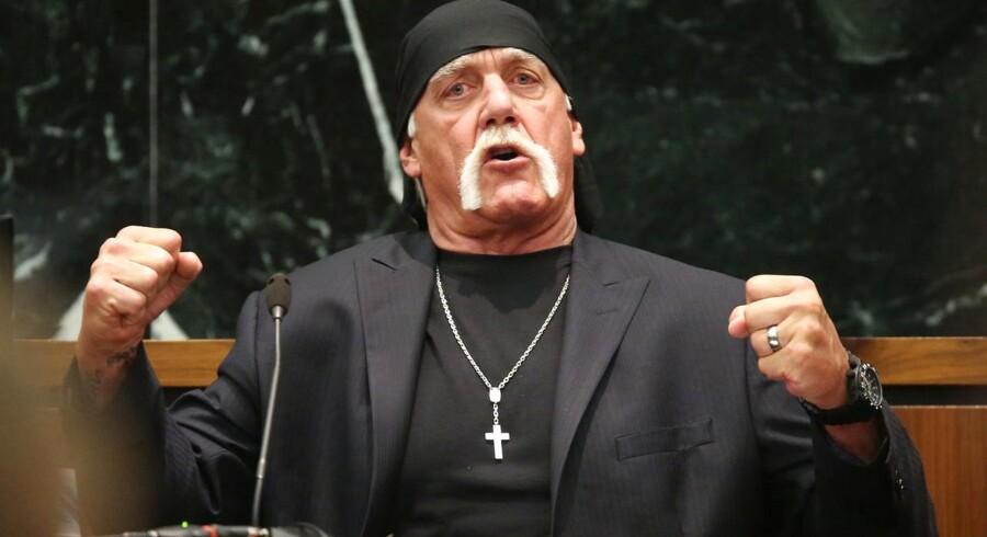 Terry Bollea, aka Hulk Hogan, giver sin version af sagen mod Gawker Media, i St. Petersburg, Florida, 8. marts 2016. REUTERS/Tampa Bay Tribune/John Pendygraft/Pool