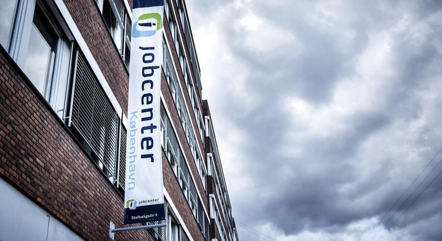 Ledigheden i Danmark falder, og det får Dansk Industri til at råbe vagt i gevær over for mangel på arbejdere. (Foto: Thomas Lekfeldt/Scanpix 2014)