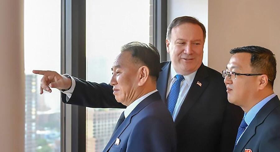 Nordkoreas forhandler Kim Yong-choi og USAs udenrigsminister Mike Pompeo havde i går et 90 minutters møde i New York.