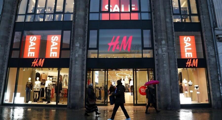 Den svenske kongefamilie sænker sit ejerskab af H&M midt i rygter om et snarligt exit fra børsen for den svenske tøjgigant.