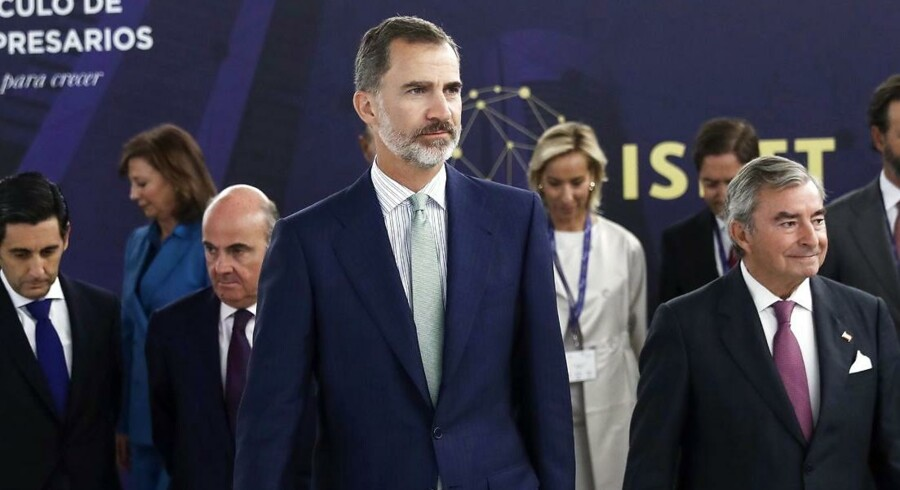 Den spanske kong, Felipe VI vil tirsdag aften tale til nationen efter de mange stridigheder.